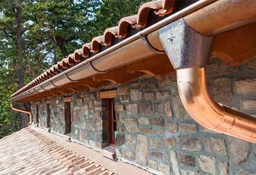 Installation Gouttière en cuivre Artisan Hortica